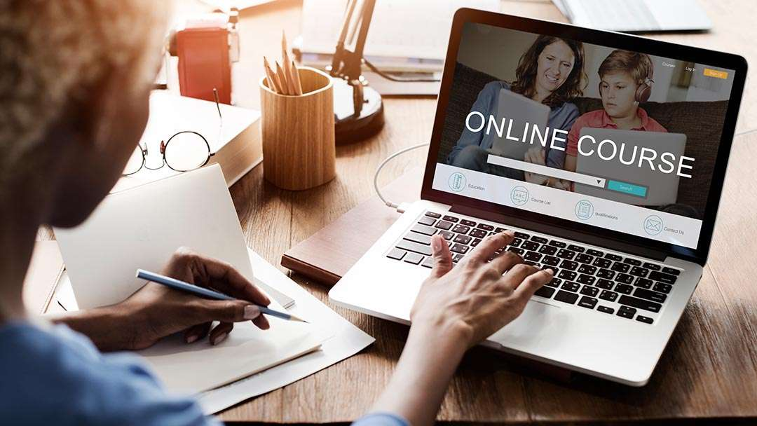 Thiết-kế-website-học-trực-tuyến-nhanh